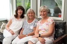 Mor och två döttrar